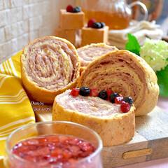 米粉パン/オリジナルレシピ/くるくる巻き巻きパン/手作り食パン/手作りパン/ベリーパン/... 米粉で ベリーくるくる巻き巻きパン をお…