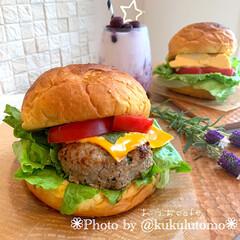 手作りバーガー/手作りパン/おうちcafé/おうちカフェ/わたしのごはん/フォロー大歓迎/... おうちでハンバーガー作りましたʚ◡̈⃝ɞ…