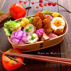 毎日の楽しみ/今日のお弁当/お弁当作り/朝活/趣味の時間/自分弁当/... 薔薇おにぎりと磯辺スティック唐揚げ弁当を…(1枚目)