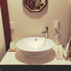 寝室/洗面台/鏡 寝室の隅に作ってもらった洗面台 便利です…