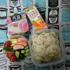 とろろ素麺/高校男子弁当/お弁当/フォロー大歓迎 おはようございます🤗  今日は☔です~ …