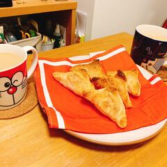 おやつ/カフェオレ/りんごパイ/グルメ/フード/スイーツ/... 鎌倉初詣に行った後友達の家でおやつタイム…(1枚目)