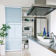 フリモ/インテリア/棚板/グラス/スライドテーブル/引き出し/... 冷蔵庫がすっぽり入るキッチン収納。食器や…