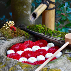 一眼レフ/手水舎/柳谷観音/京都/初詣/あけおめ/... お正月限定の手水舎は3種類ありました。 …