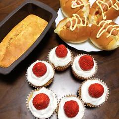 バナナマフィン/カップケーキ/誕生日/フォロー大歓迎/冬/おうち/... 昔から料理は苦手で、みんなが作るようなお…