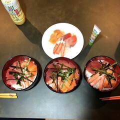海鮮丼/お寿司/ステイホームを楽しむ/ステイホーム/おうちごはん/暮らし/... 自粛期間、ステイホームで 大好きなお寿司…