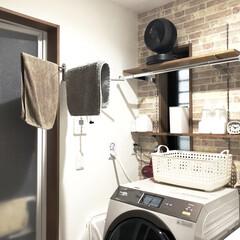 洗濯機の上/脱衣場/洗面所/湿気対策/サーキュレーター/住まい/... 脱衣場の湿気がずっと気になっていたので、…(1枚目)