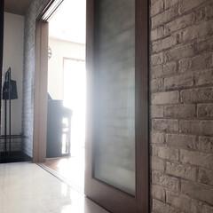 引き戸/リビングドア/インテリア/住まい リビングのドアは2枚の引き戸です。全開に…