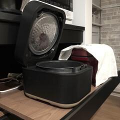 キッチン背面収納/カップボード/家電収納/メトード/炊飯器/スタン炊飯器/... メトード奥行45の家電収納部は炊飯器が置…