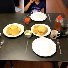 セラミックテーブル/IKEA/ステイホームを楽しむ/母の日/ホットケーキ/おうちごはん 娘が母の日ということで朝ごはんにホットケ…
