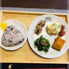 onigiriAction/朝食/おうちごはん 今朝は寒くて布団から出られなかった💦 こ…
