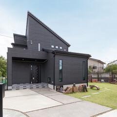 吹き抜け/注文住宅 お施主様は住宅雑誌の富士住建のページにビ…