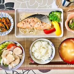 朝ごはん/朝ごはん大好き/美味しいご飯/ごちそうさまでした/キッチン/いつもありがとう/... 今朝の嫁さんが作ってくれた朝ごはん。鮭の…(7枚目)