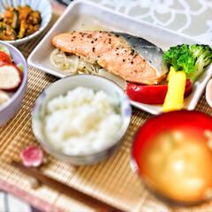 朝ごはん/朝ごはん大好き/美味しいご飯/ごちそうさまでした/キッチン/いつもありがとう/... 今朝の嫁さんが作ってくれた朝ごはん。鮭の…(2枚目)