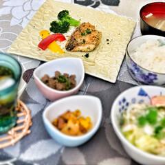 朝ごはん大好き/嫁さんの手作り/おはよう/いつもありがとう/これからもよろしく/朝ごはん/... 今朝の嫁さんが作ってくれた朝ごはん。ぶり…(2枚目)