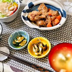 朝ごはん大好き/美味しいご飯/ごちそうさまでした/いつもありがとう/これからもよろしく/朝ごはん/... 今朝の嫁さんが作ってくれた朝ごはん。鳥手…(1枚目)