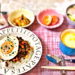 コーンスープ/ドライカレー/箸置き/いつもありがとう/ごちそうさま/朝ごはん/... 嫁さんが作ってくれた朝ごはん。ドライカレ…(1枚目)