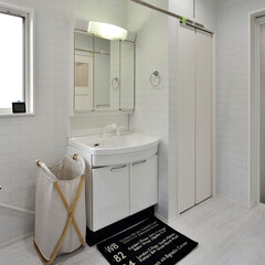 洗面所/洗面台/収納/洗面収納/モノトーン/収納庫/... 洗面所をモノトーンで統一した色彩でリフォ…