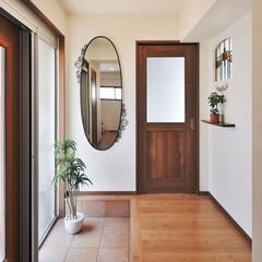 玄関/アンティーク調/アレンジ/リフォーム/リノベーション/フレッシュハウス/... アンティーク調の引き戸の玄関がやさしく迎…