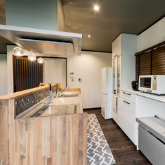 キッチン/対面式キッチン/腰壁/モザイクタイル/タイル/デザイン性/... 対面式キッチンにリフォームするときに リ…
