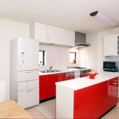 キッチン/ポップなイメージ/赤色/赤/料理/楽しい/... キッチンをリフォーム。  明るい印象の赤…