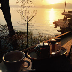 琵琶湖/湖/夕陽/おでかけ/フォロー大歓迎/まったり/... 琵琶湖の湖畔 夕陽のきれいなカフェ☕️テ…