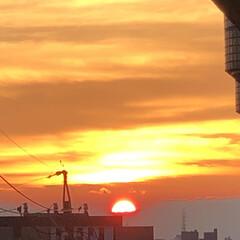 ベランダから見た夕陽/富士山の様なゼリー/きれいな夕陽/夕陽  ベランダからの夕陽✨久しぶりに見た❣️…