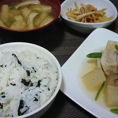 わかめご飯/豚の角煮/柚子胡椒/グルメ/フード/おうちごはん 白だしと柚子胡椒であっさりした豚の角煮😄…