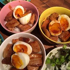 豚丼/春のフォト投稿キャンペーン/LIMIAごはんクラブ/おうちごはんクラブ/わたしのごはん 今日は十勝豚丼。半熟の卵を乗せて🥚 みん…