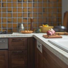 システムキッチン/キッチン/無垢の木/無垢の木のシステムキッチン/タイル/タイル天板/... 無垢の木のキッチンに、天板は「タイル」を…