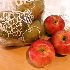 梨/りんご/湘南果樹園 先日JAで購入したりんごを作っている 湘…