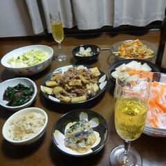 我が家のテーブル 夫婦で乾杯!な我が家の食卓(1枚目)