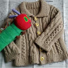 はらぺこあおむし/ボタン/子供服/カーディガン/手作り/手編み/... 上の子の小さいときに編んだカーディガンが…