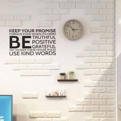 コストコ/セリア/ニトリ/リビング/壁面/フォロー大歓迎 リビングの壁にコストコのレンガシートを貼…