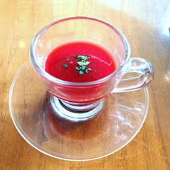 ヘルシーレシピ/スープ/LIMIAごはんクラブ/フォロー大歓迎/わたしのごはん/おうちごはんクラブ/... ビーツのスープ 器がクリアガラスですが …