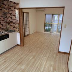 リビング/クッションフロア/賃貸/賃貸住宅/賃貸DIY/築30年以上/... やっとキッチンとリビングのクッションフロ…