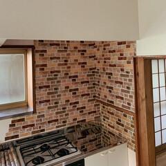 築40年/築30年以上/賃貸DIY/賃貸住宅/賃貸/DIY/... キッチンのコンロ周りはダイソーのアルミシ…