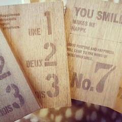 小物入れ/カウンター下収納/木製/ブックスタンド/ハンドメイド/DIY/... セリアの木製ブックスタンドで小物入れを作…