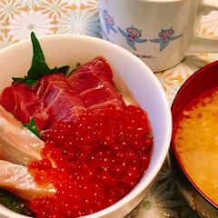ご飯/わたしのごはん 今日の朝ごはん。 刺身の残りを漬けにして…(1枚目)