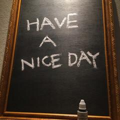 玄関に/メッセージボード/詳しくはブログで/プロフィールからどうぞ/整理収納アドバイザー/FM東広島/... ダイソーの黒板ペイントで古い額縁を黒板に…(1枚目)