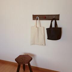 ブログを更新しました/簡単DIY/バッグ掛け/引き出し用つまみ/インテリアフック/木板/... 100均材料で超簡単DIY。木の板に引出…