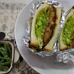 リメイク料理/お昼ごはん/お昼ご飯 コロッケパンが食べたくて、コロッケ買いに…