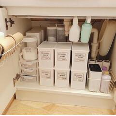 洗剤/暮らしを整える/暮らしを楽しむ/整理収納/突っ張り棒/洗面所収納/... 洗面所のシンク下。セリアのボックスで細々…