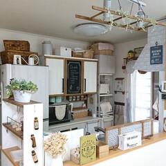 黒板塗料/カフェ風メニューボード/キッチンカウンターの上ディスプレイ/食器棚の上ディスプレイ/冷蔵庫上ディスプレイ/吊るすラダー/... カフェ風に憧れて☆ キッチンにもたくさん…
