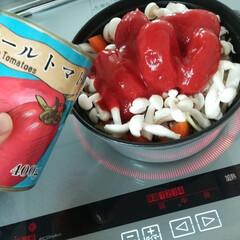 無水調理/ストウブ/令和元年フォト投稿キャンペーン/おすすめアイテム/フォロー大歓迎/至福のひととき/... ストウブの無水調理にはトマト缶を使うこと…