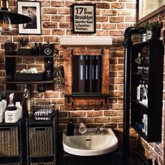 洗面台DIY/団地の洗面所/団地インテリア/団地暮らし/団地DIY/インダストリアルインテリア/... 洗面台の上をスッキリさせたくて家にあった…
