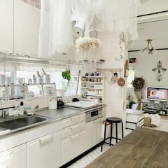 リメイク/シャビーシック/ホワイトインテリア/ダイニングテーブルDIY/スパイスラック/レンジガード/... セリアのフレームをリメイクして キッチン…