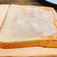 カッティングボード/テーブルDIY/コーヒーバター/クリームチーズ/朝ごパン/朝ごはん/... CoffeeButterクリームたっぷり…