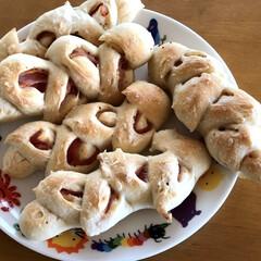 惣菜パン/ベーコンエピ/ホームベーカリー/パン/暮らし/フォロー大歓迎/... 今日はベーコンエピパン焼きました。 前に…