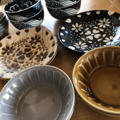 みのる陶器 中皿 アンティーク ネイビー&ベージュ 直径20cm 2色入(皿)を使ったクチコミ「食器入れかえ大作戦😆最後😆 白波くじら🐋…」(1枚目)